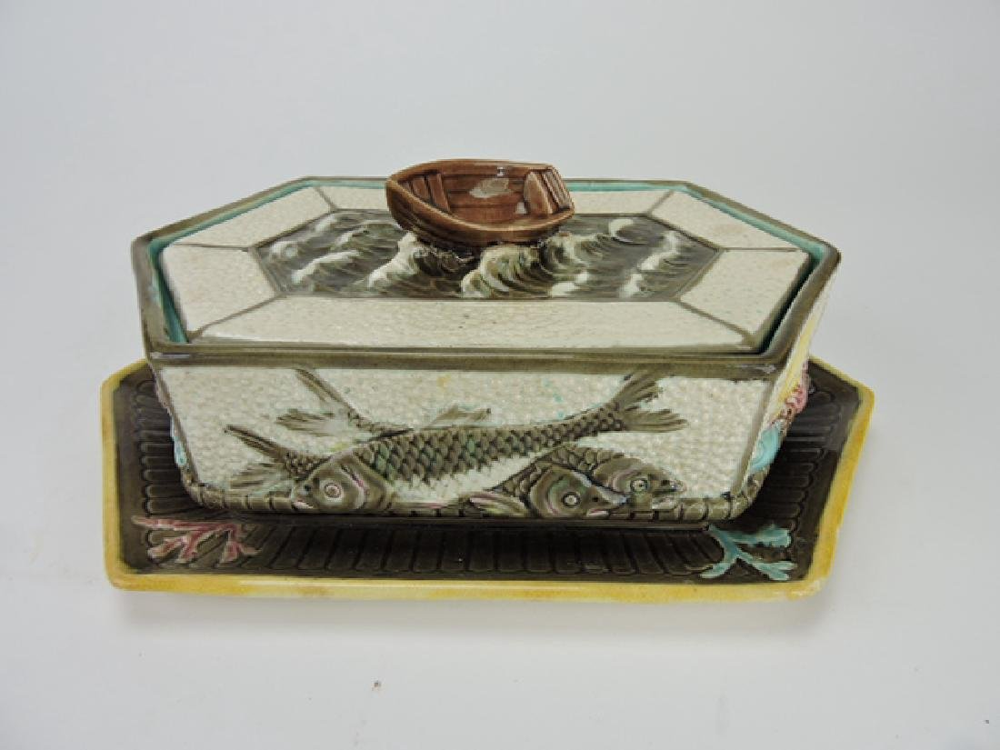 Wedgwood Argenta sardine box with boat finial, box