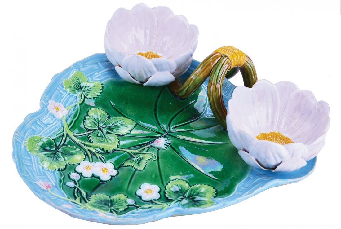 George Jones Majolica Lily Pad Strawberry Dish