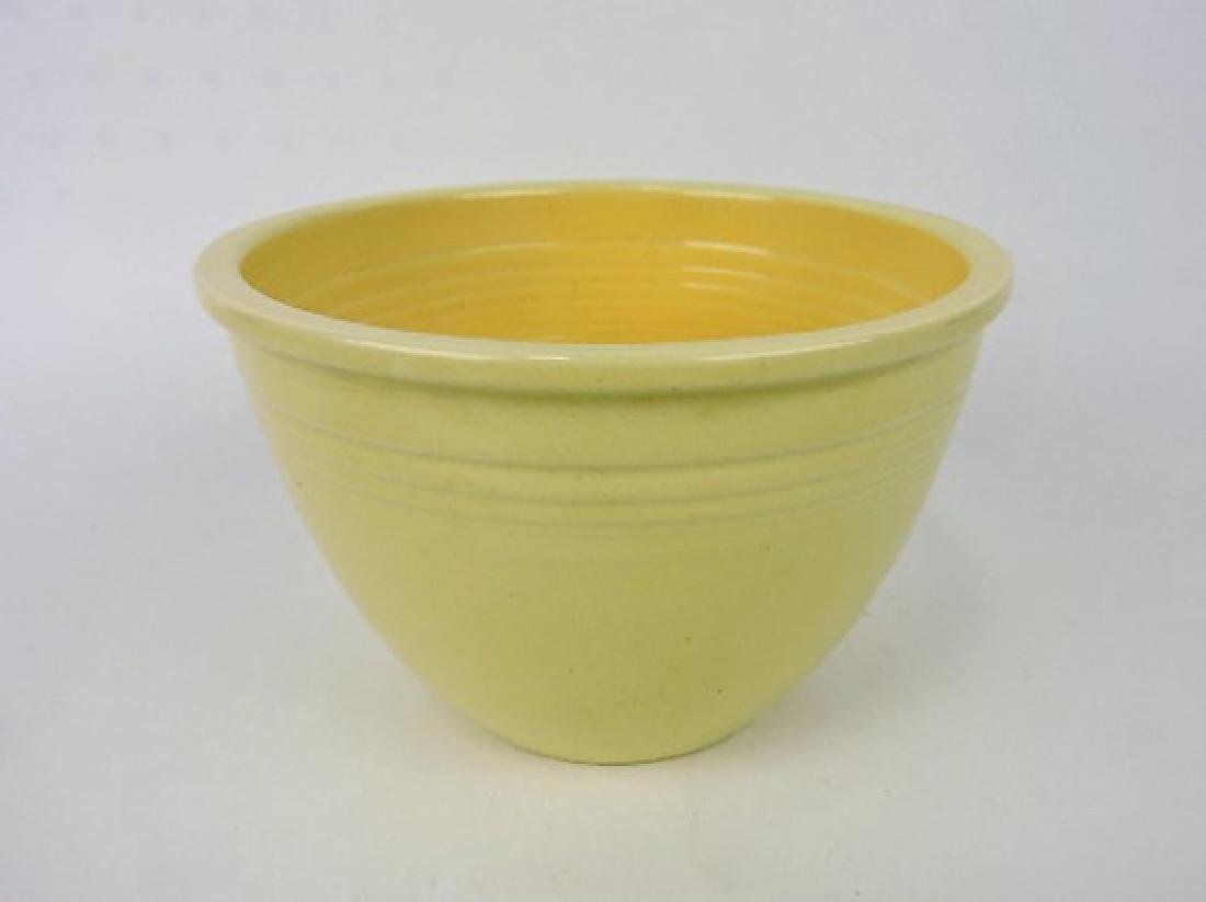 Fiesta mixing bowl, #4 ivory, minor nick