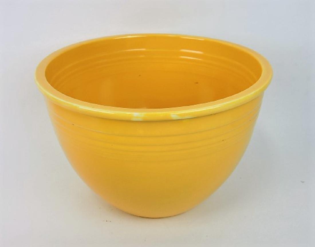 Fiesta mixing bowl, #7 yellow, inside rings