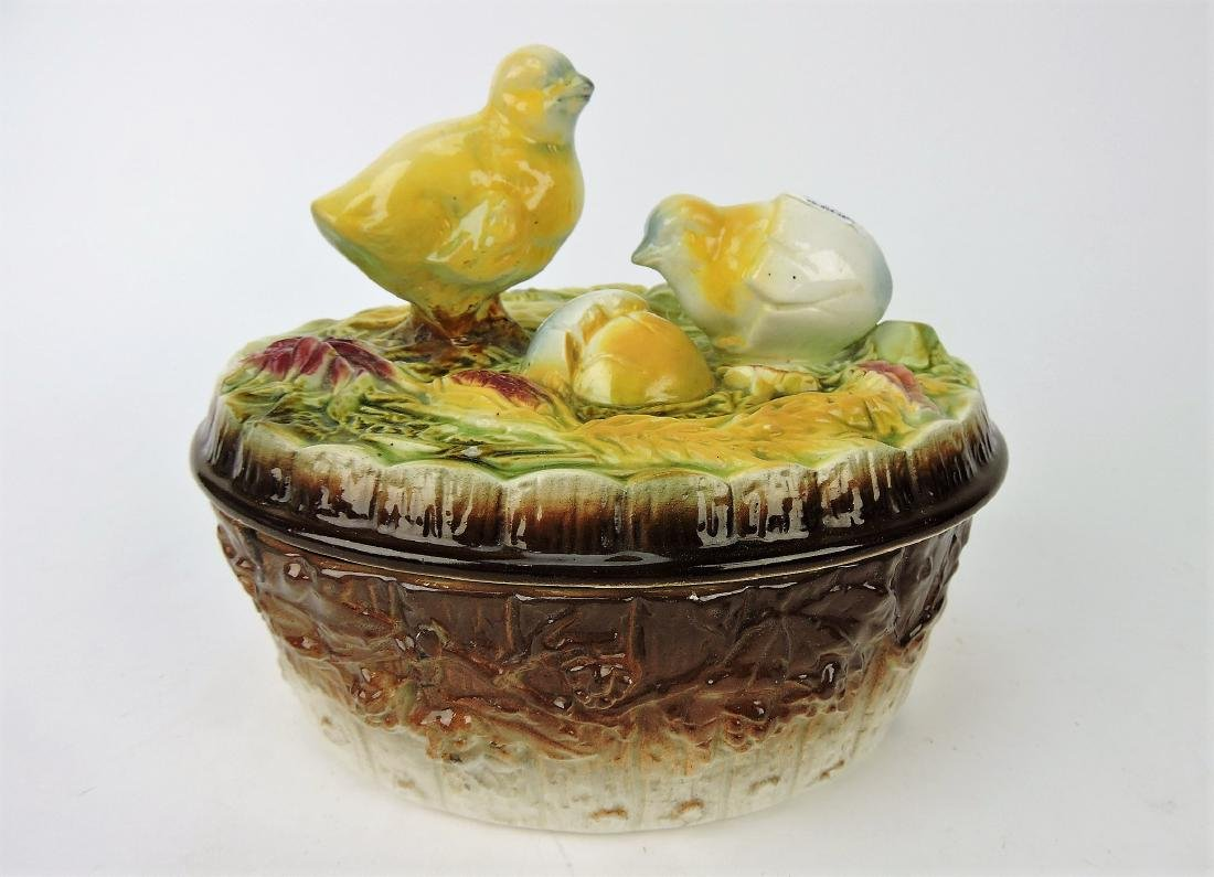 Majolica Continental tureen with chick