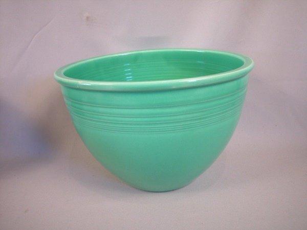 483: Fiesta light green #7 mixing bowl