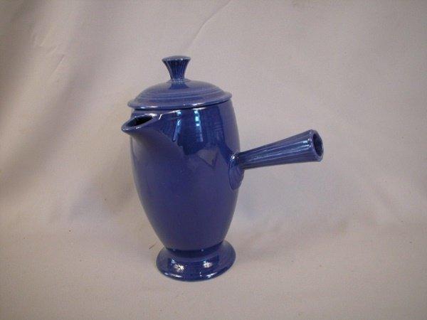 518: Fiesta demitasse pot, cobalt, nick to lid finial