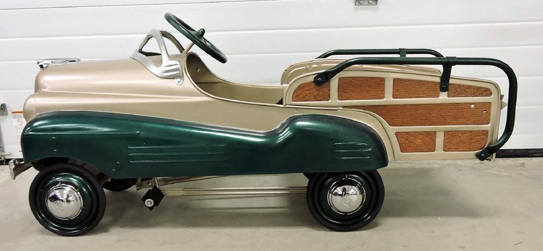 Murray Pontiac Woody pedal car, 1941