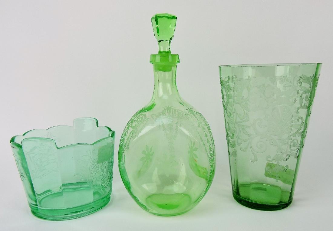 Green elegant glass lot of 3 pcs;
