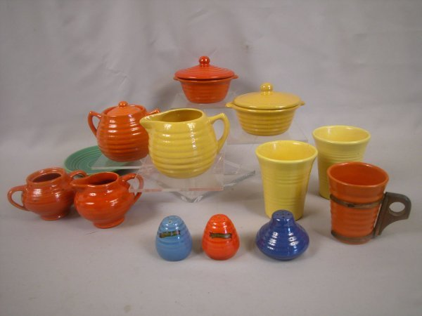 16: Bauer Pottery group - yellow and red individual cas