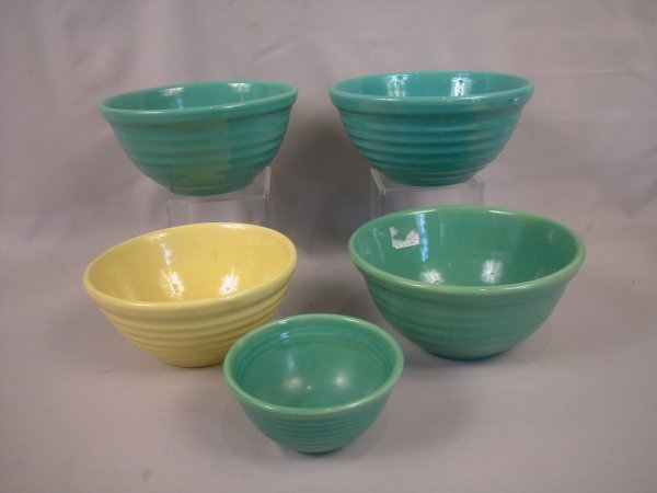 18: Bauer Pottery group of 6 mixing bowls, various colo