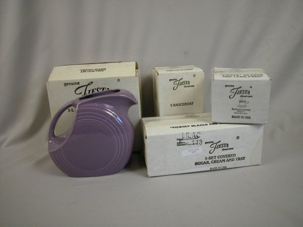 17: Post 86 Fiesta group - Lilac - disk water pitcher;