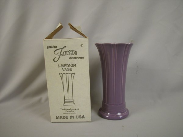 "21: Post 86 Fiesta Lilac 10"" vase, NIB"