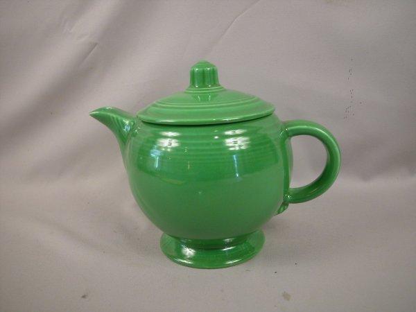 384: Fiesta medium green medium teapot, good condition