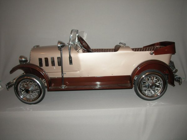 "1246: 1935 Lincoln Tandem pedal car by American, 66""lon"