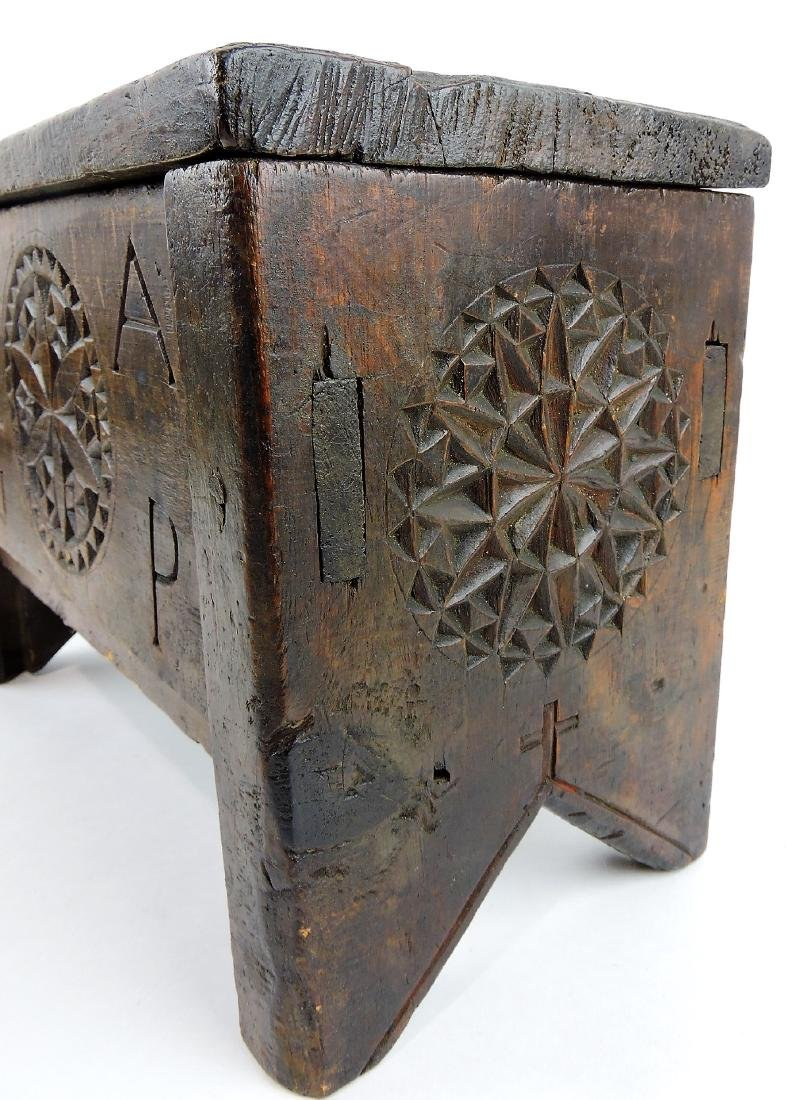 Chippendale carved and painted - 3