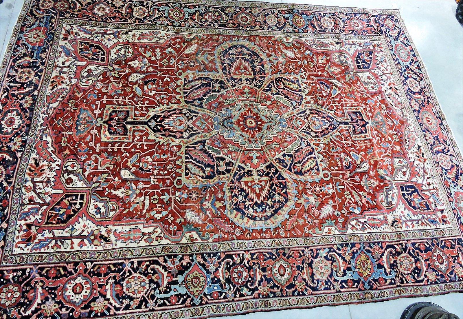 """Oriental rug, 12'6"""" x 9'2"""", Heriz"""