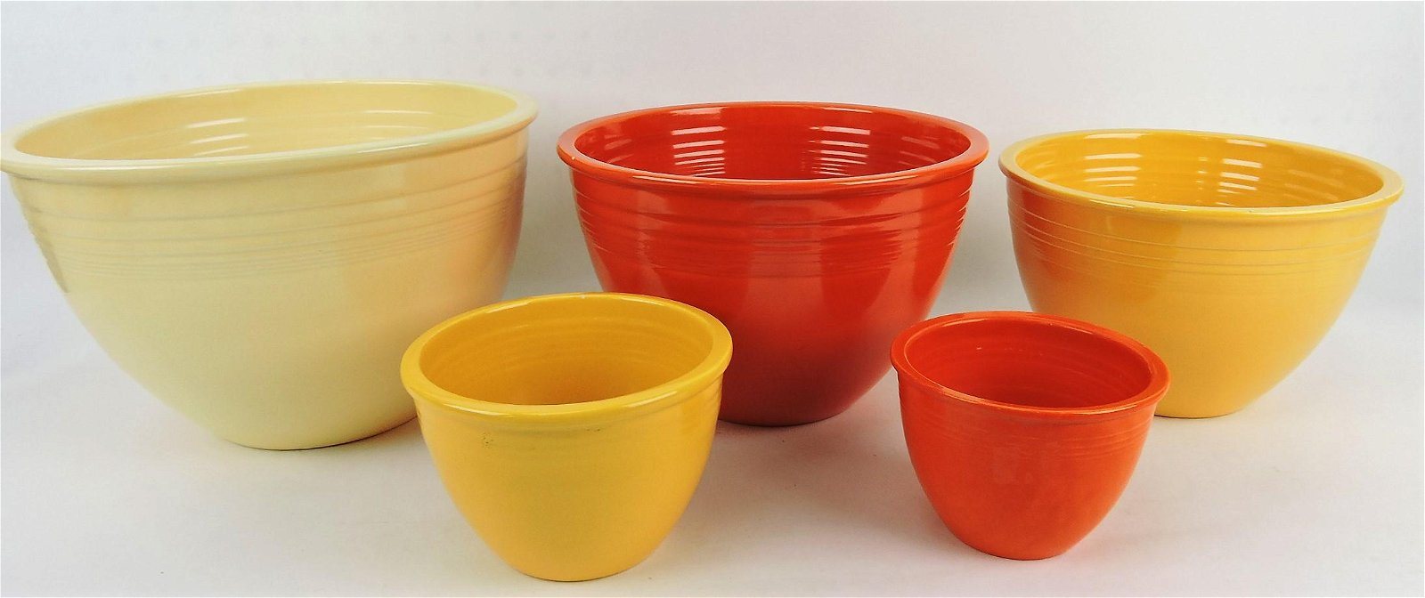 Fiesta mixing bowl group of 5,