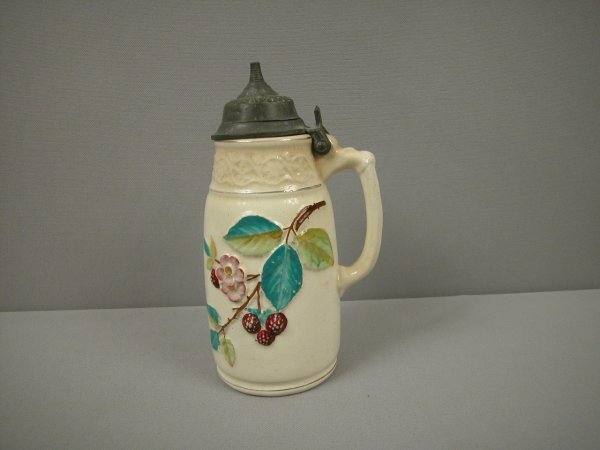 5: Majolica Bennet's blackberry albino syrup pitcher wi