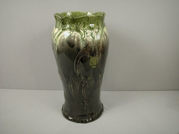 15: Majolica Mottled umbrella stand with green, cream a