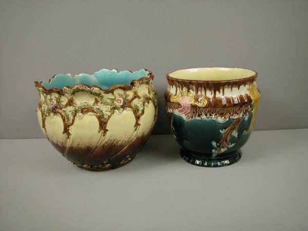 19: Majolica group of 2 European jardinieres, both with