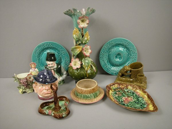 24: Majolica group of 10 pieces - condiment holder, but