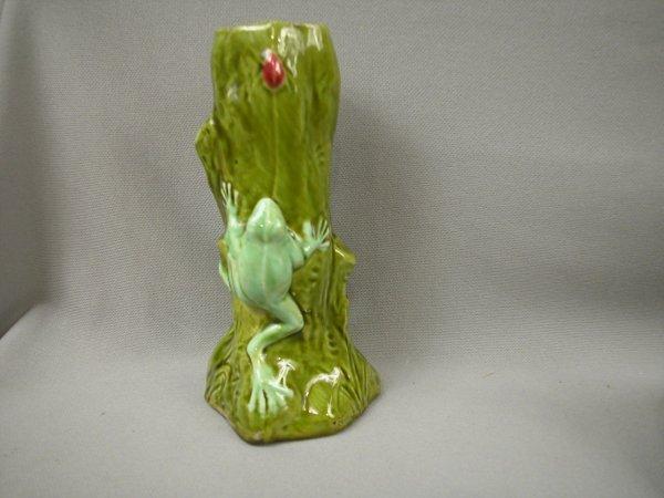 413: Majolica Continental frog on tree trunk figural va