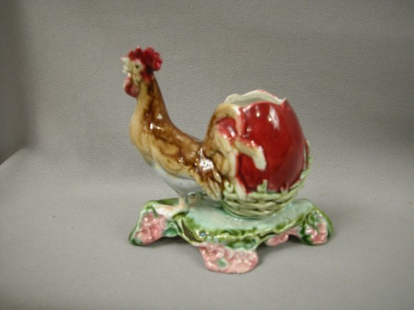421: Majolica Figural toothpick of rooster and egg, rep