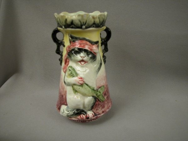 423: Majolica Continental vase with cat holding fish, r