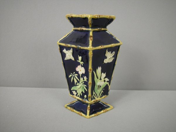 762: Majolica GEORGE JONES cobalt diamond shaped vase w