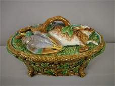 797 Majolica MINTON game tureen with basketweave base