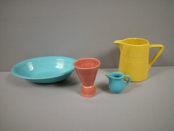1020:    Fiesta Harlequin group - turquoise oval baker,