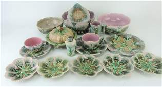 Etruscan majolica shell and seaweed
