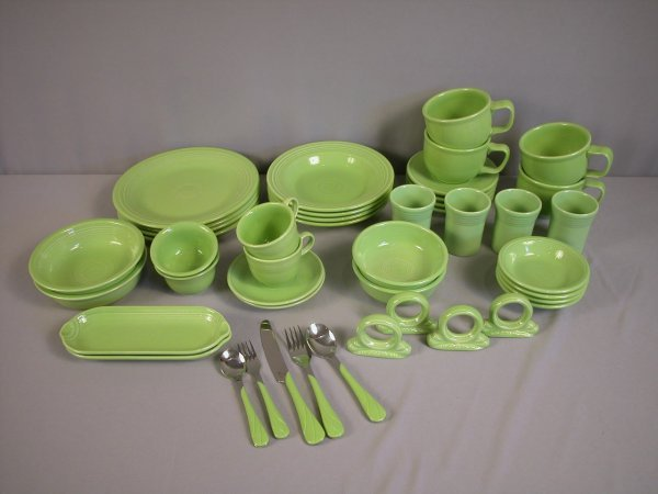 2001: Fiesta Post 86 chartreuse group, 45 pieces - 4-10