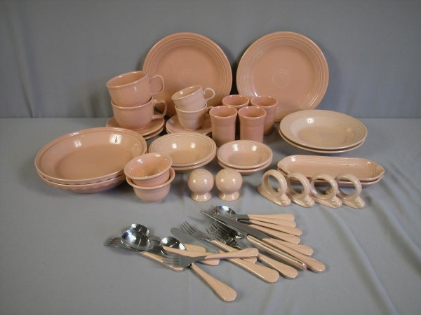 2004: Fiesta Post 86 Apricot group - 47 pieces - 2-10""