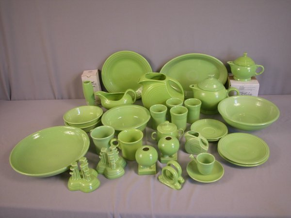 2022: Fiesta Post 86 Chartreuse group - 32 pieces - bud