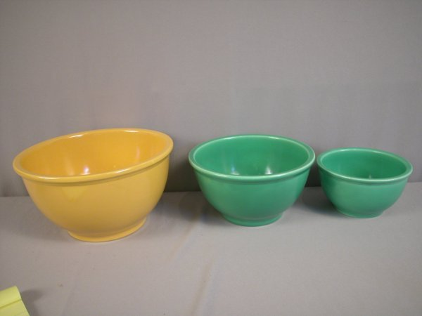 2082: Fiesta Kitchen Kraft mixing bowl set, large yello