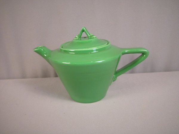 2114: Fiesta Harlequin Medium Green teapot, mint, mint,