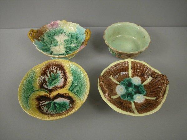 9: Majolica  Lot of 4 majolica bowls and comports, vari
