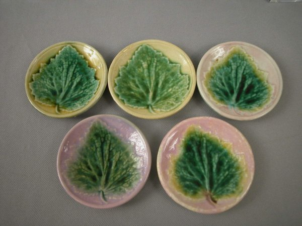 524: Majolica  ETRUSCAN set of 5 maple leaf on plate bu