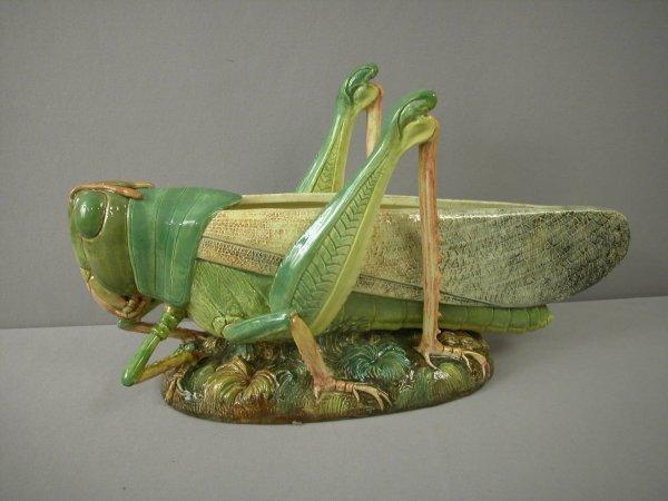 845: Majolica  DELPHIN MASSIER rare grass hopper plante