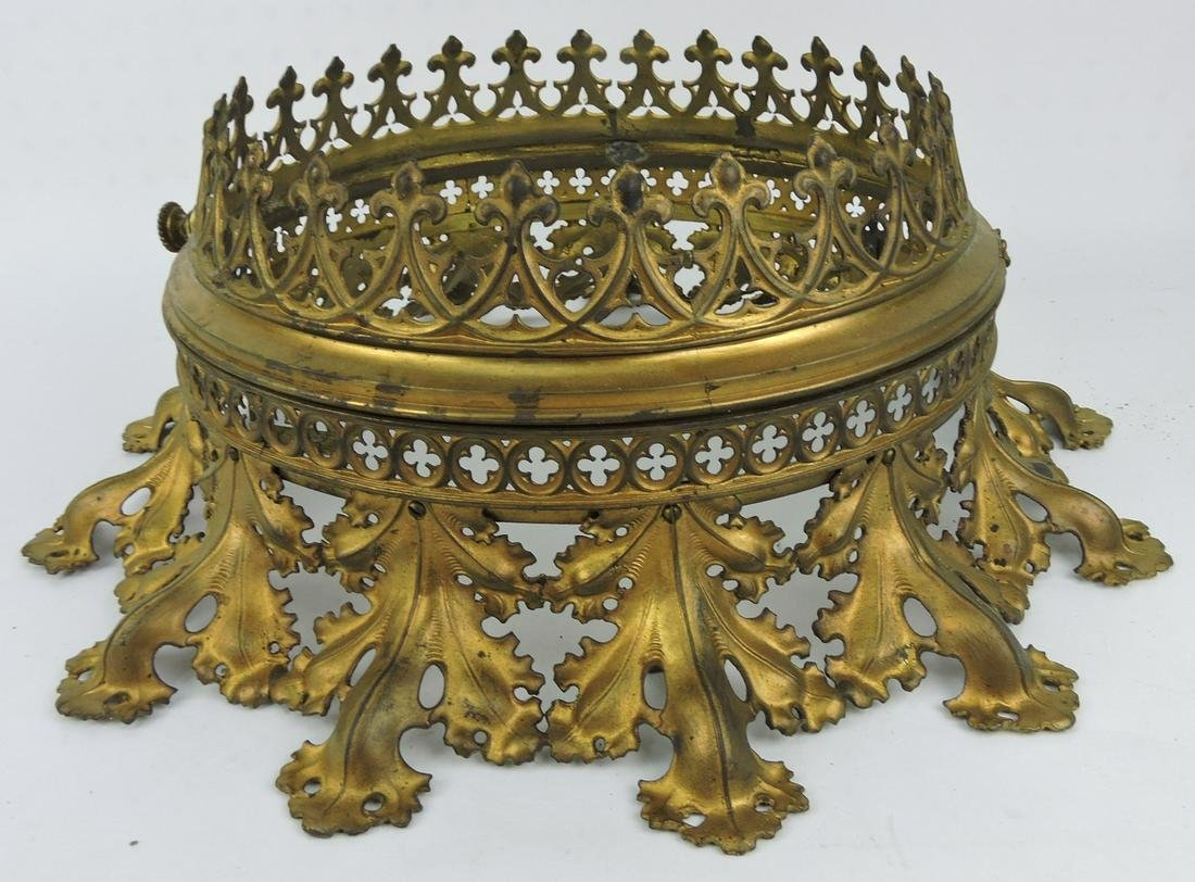 Brasss/bronze ornate ceiling light fixture