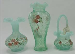 Fenton lot of 2 vases and basket