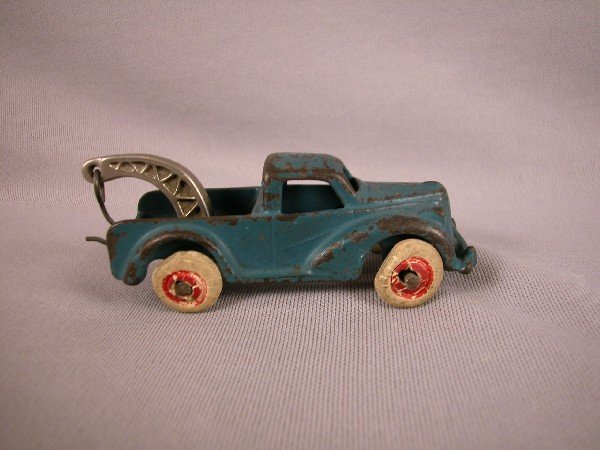 "5: Arcade cast iron tow truck, 4"", replaced hook"