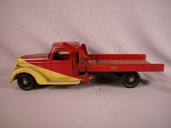 19: Buddy L flat bed truck with winch, 20 1/2""