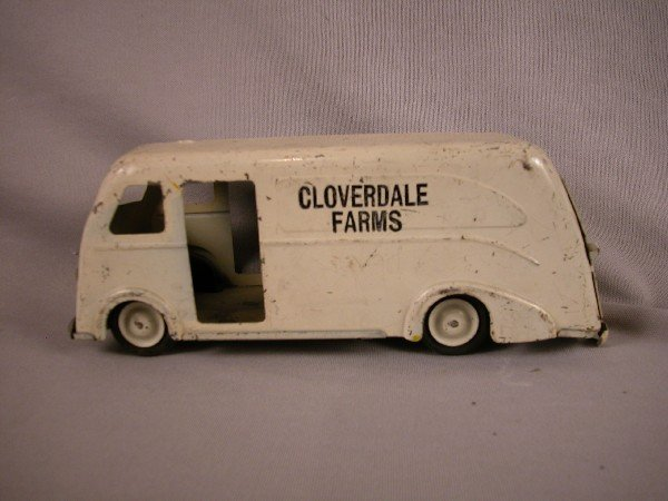 23: Marx Cloverdale Farms milk truck