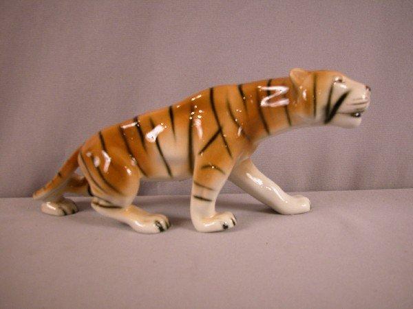 """1009: Royal Dux tiger, 11"""""""