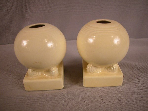 3011: Fiesta ivory pair of bulb candle holders