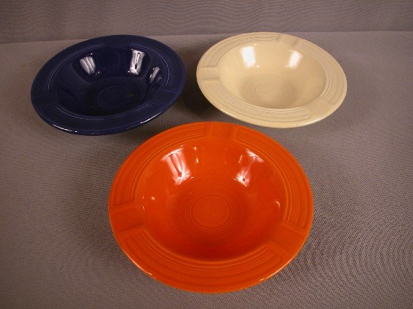 3022: Fiesta red, cobalt and ivory ashtrays