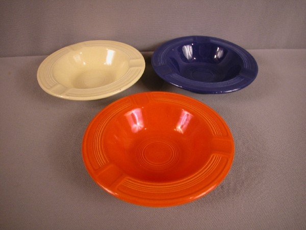 3023: Fiesta red, cobalt and ivory ashtrays