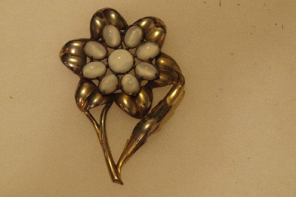 4506: Eisenberg Original sunflower brooch with white st