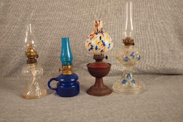 6: Lot of 4 miniature oil lamps