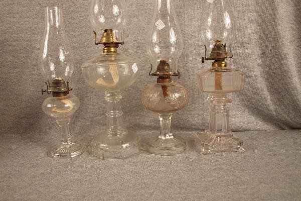 20: Lot of 4 pattern glass oil lamps