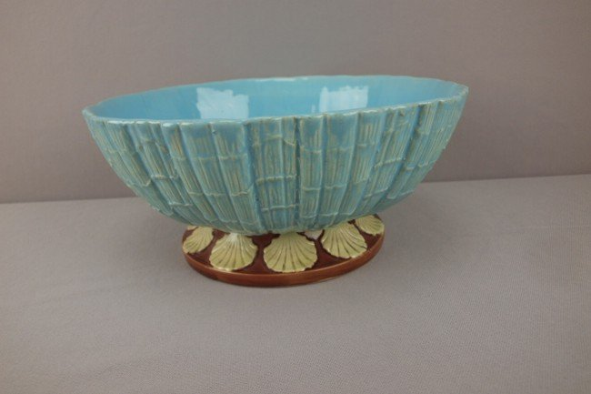 4: HOLDCROFT large shell bowl  with shells on foot, 11